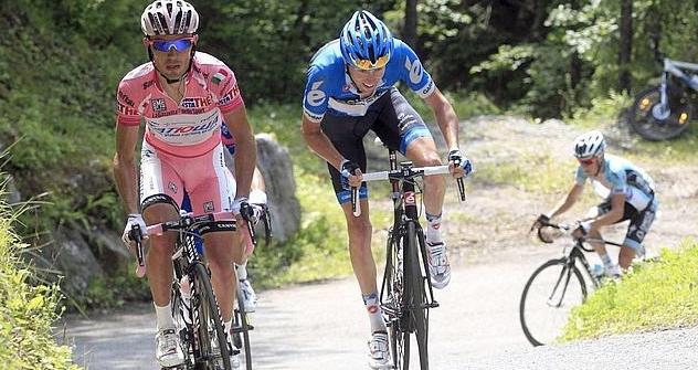 Purito Rodríguez y Hesjedal, 1º y 2º clasificados, en la penúltima etapa del Giro (Foto: GirodItalia/2012)