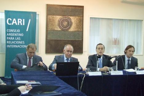 Víctor Ivanov en un momento de la intervención en la conferencia. Fuente: Ana Novikova.