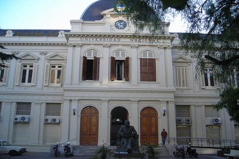 Rectorado de la Universidad Nacional de La Plata. Fuente: Flickr/ sanzur.