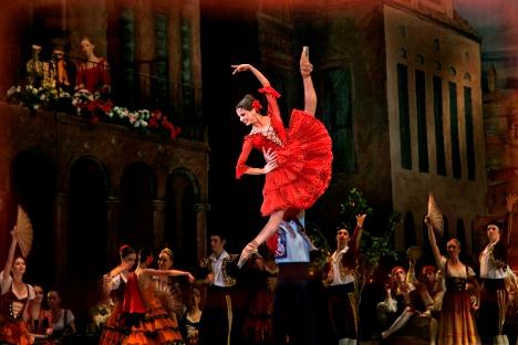 Los bailarines se preparan desde muy pequeños aprendiendo durante años distintos tipos de danza. Fuente: Svetlana Postoenko.