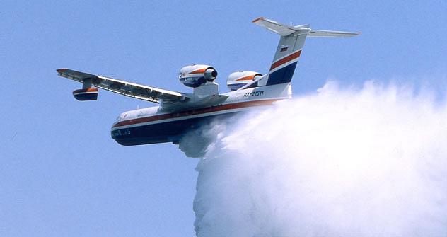El BE-200 es un avión anfibio multifuncional, fabricado por la Beriev Aircraft Company, con sede en Taganrog, que acaba de pasar las primeras pruebas de la Agencia Federal de Aviación (FAA) este mismo mes. Fuente: RIA Novosti / Roman Denisov.