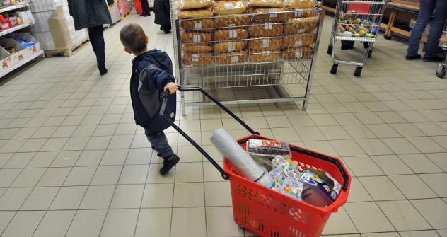 Los consumidores rusos tienen tendencia a consumir en vez de ahorrar. Fuente: Kommersant.