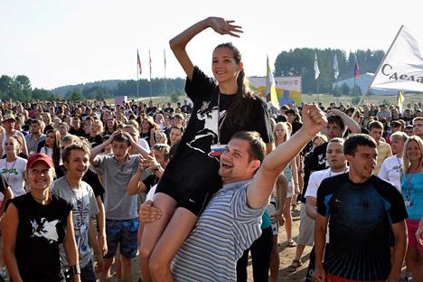 Jóvenes participantes en Seliger 2012. Fuente: AP.
