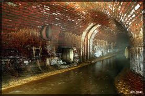 Río subterráneo Neglinka. Fuente: SKYFI ORG.RU