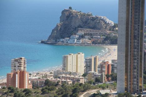 Apartamentos con vistas al mar en Alicante. Fuente: Costa Activa