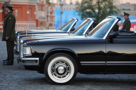 Nuevas limusinas para funccionarios rusos. Fuente: Kommersant