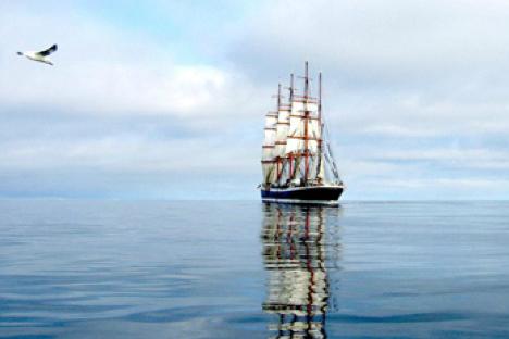 """El velero más grande """"Sedov"""". Fuente: ROSRIBOLOVSTVO."""