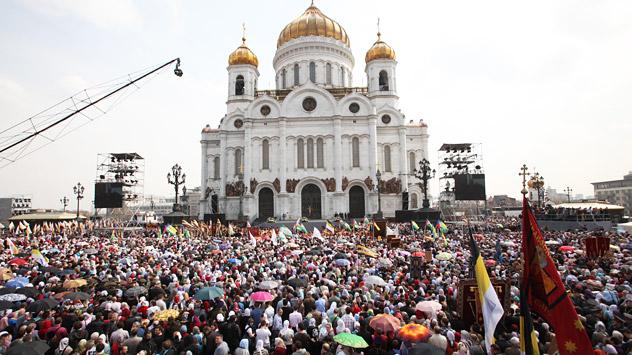Los diputados consideran que la pena máxima actual (1.000 rublos, unos 32 dólares) por ofensa a los sentimientos religiosos es demasiado poco severa. Fuente: ITAR-TASS.