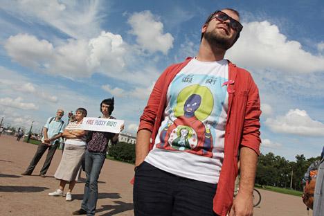 Las camisetas con el logotipo de Pussy Riot se han hecho muy populares. Fuente: ITAR-TASS.