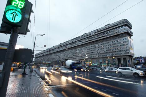 Edificio-Flauta. Fuente: Elena Pochetova.