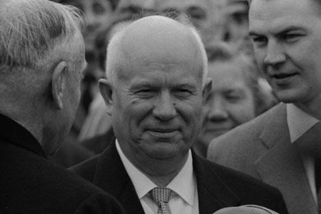 Nikita Jrushchov, el dirigente de la Unión Soviética durante una parte de la Guerra Fría. Desempeñó las funciones de Primer Secretario del Partido Comunista de la Unión Soviética entre 1953 y 1964 y como Presidente del Consejo de Ministros, de 1958 a