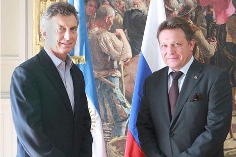 Mauricio Macri recibió en el Salón Blanco del Palacio Municipal al Embajador de la Federación de Rusia, Victor Koronelli. Fuente: Matías Repetto Bonpland/GCBA