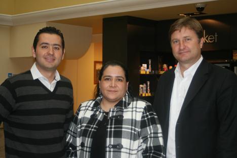 El delegado comercial de la empresa mexicana Frisa, la responsable de comercio de la Embajada en Rusia y el director delegado para asuntos económicos del Ministerio de Economía de México para Europa. Fuente: Alex Pávlovich.