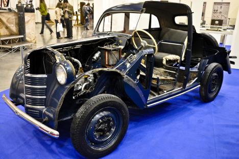 Muestra de uno de los coches antiguos. Fuente: Anastasia Yúdina