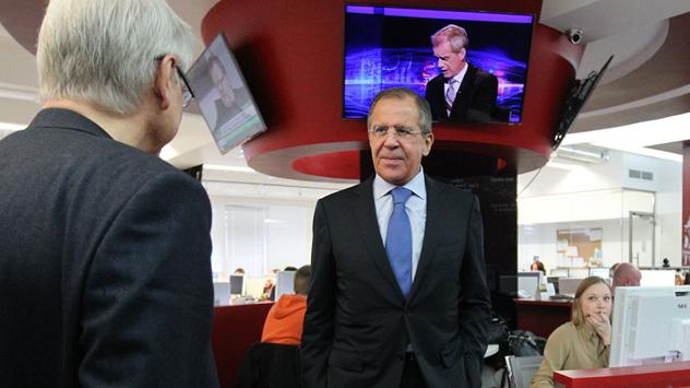 Serguéi Lavrov, ministro de Asuntos Exteriores de Rusia, concede una entrevista a Rossíyskaya Gazeta. Fuente: Sergey Kuksin / RG.