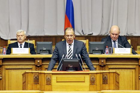 Serguéi Lavrov, ministro de Asuntos Exteriores de Rusia, comenta en una entrevista el diálogo que  Moscú mantiene con los líderes de las dos economías más fuertes del mundo. Fuente: ITAR-TASS