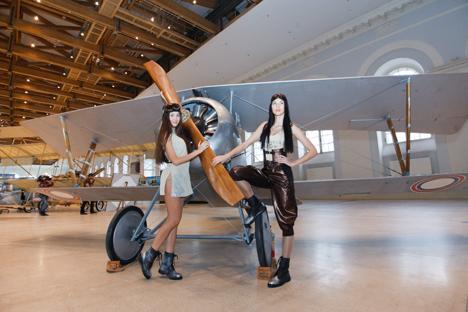 La muestra se celebra en el Manezh de Moscú, el mismo lugar donde hace exactamente un siglo se fundó la Fuerza Aérea. Fuente: ITAR-TASS