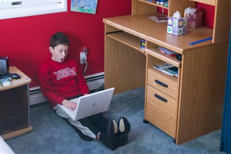 """""""¿Qué tengo que hacer? Me parece que mi hijo ha empezado a leer"""". Fuente: Legion Media"""