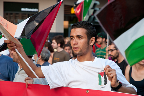 La reciente incorporación a la ONU como estado observador supone una importante victoria moral para los palestinos. Fuente: Flikcr / Marc Sardon