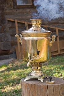 El samovar domina la historia de esta antigua bebida en Rusia. Fuente: Flickr / Sergey Vladimirov