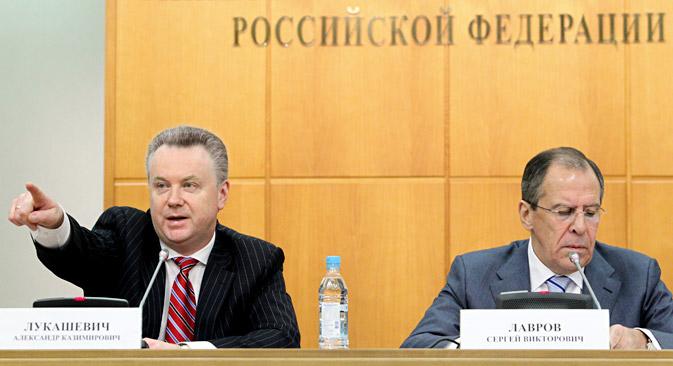 Alexander Lukashévich y Serguéi Lavrov. Fuente: Kommersant