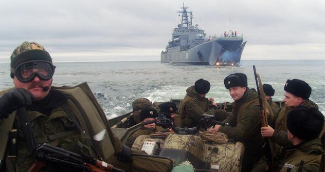 El Ártico aumenta su importancia estratégica y prueba de ello son los ejercicios militares que se realizan en la zona. Fuente: servicio de prensa de la Región militar occidental