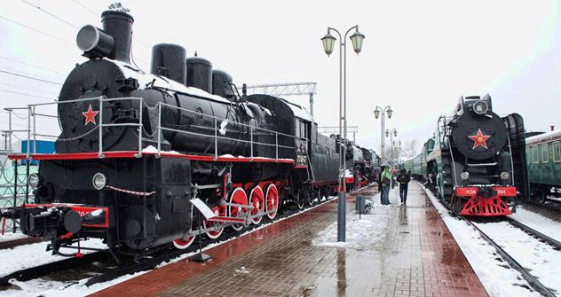 Una vieja locomotora sigue recorriendo caminos del centro de Moscú que han sido abandonados hace mucho tiempo. Fuente: Oleg Serdechnikov