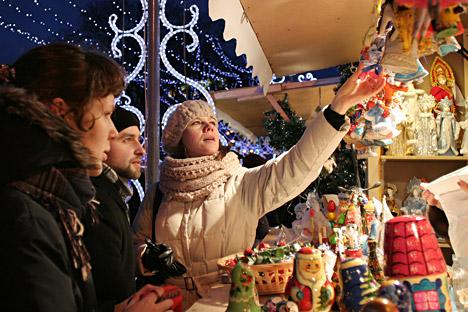 En Rusia es costumbre hacer regalos por Año Nuevo. Fuente: PhotoXPress.