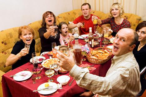 Las diferencias culturales, la evolución política y social de Rusia ha hecho que las celebraciones navideñas sean más prolongadas de lo que son en Europa, hecho que incide directamente en un aumento del consumo con respecto a otros países. Fuente: Lo