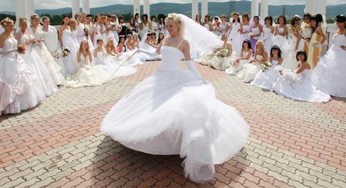 Surgen nuevas tradiciones, en ocasiones disparatadas y casi siempre llamativas. Fuente: Reuters / Vostock-Photo