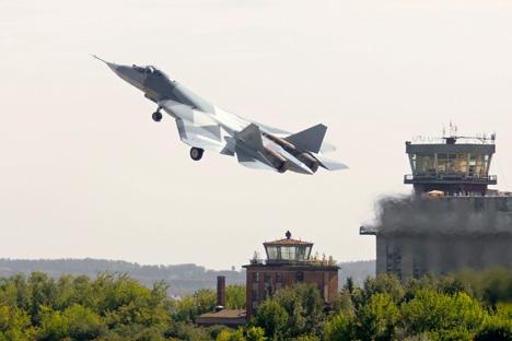 En marzo de 2013, empezarán las pruebas oficiales de cinco cazas de quinta generación (PAK FA) en el centro de pruebas de las Fuerzas Aéreas en Ajtubinsk. Fuente: ITAR-TASS