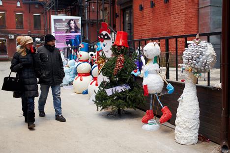 Las autoridades  de Moscú comenzarán a quitar de sus calles y edificios la decoración de Año Nuevo solo después del 14 de enero. Fuente: Elena Pochetova