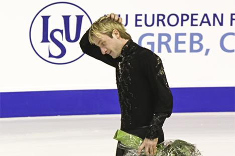 Plúshenko se lesionó el primer día y no pudo revalidar su título europeo. Fuente: paarlauf-fanclub.de