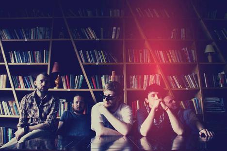 'Sansara' es una banda rusa de electropop, sin prototipos y de carácter camaleónico. Fuente: www.sansara.bandpage.com