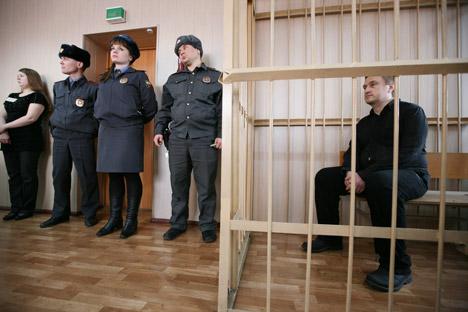Konstantín Rúdnev, líder de la secta Ashram Shambaly, durante el juicio. Fuente: RIA Novosti.