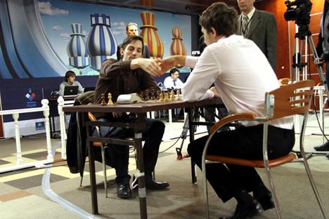 Partido final entre Serguéi Kariakin y Alexánder Grischuk. Fuente: russiachess.org