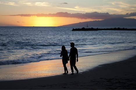"""El año pasado, visitaron las islas más de 122.000 ciudadanos rusos. Una cifra récord. Fuente: Promoción turística """"Municipio de Adeje, al Sur de la Isla de Tenerife"""""""