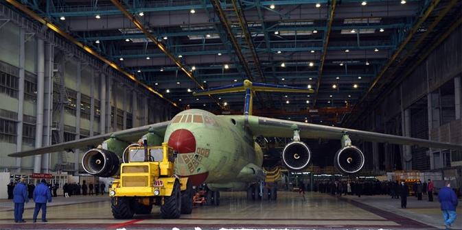 Labores de construcción del modelo IL-476. Fuente: Flickr/YuriGagarin