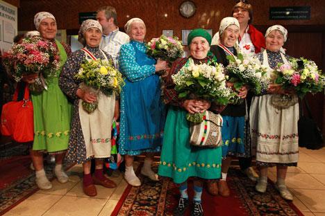 Buránovskiye Bábushki son un grupo coral ruso de pop folclórico que quedaron en el segundo puesto del festival musical Eurovisión 2012. Fuente: RIA Nóvosti
