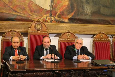 Presentación en el Rectorado de la Universidad del Granada de la XIII edición del Congreso MAPRYAL. Fuente: Universidad de Granada.