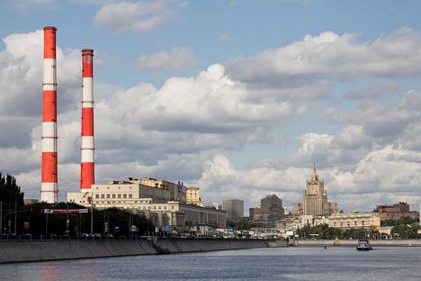 La reestructuración de las manufacturas desafía los procesos industriales, territoriales y urbanos de la Federación. Fuente: flickr / Expectmohr