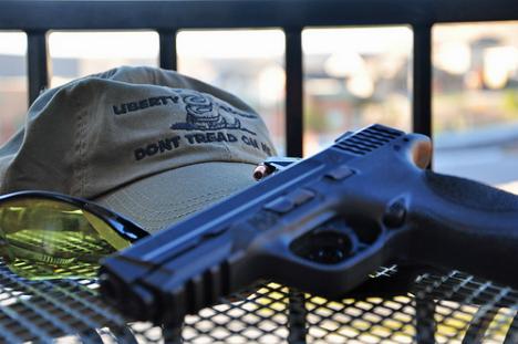 La sentencia de un estudiante de 21 armas por disparar un arma no letal, reaviva una cuestión que puede tener profundas consecuencias. Fuente: flickr / Eric Holmes