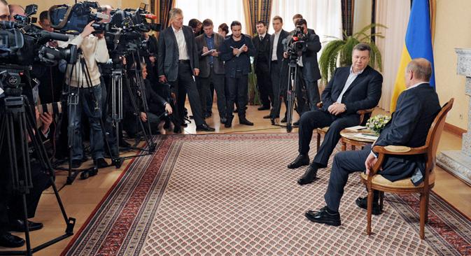 En la reunión entre Vladímir Putin y Víctor Yanukóvich del lunes quedó patente la situación en la que se encuentra la república. Fuente: Alexsey Druginyn / RIA Novosti