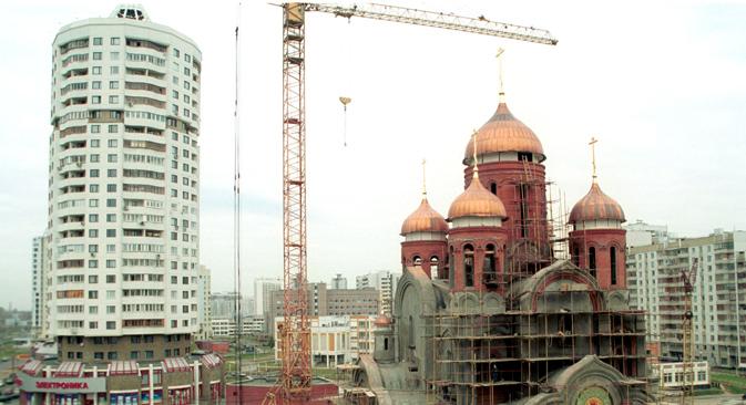 La Iglesia Ortodoxa Rusa construirá 200 nuevas iglesias en Moscú, a pesar de las quejas de numerosos moscovitas. Fuente: ITAR-TASS
