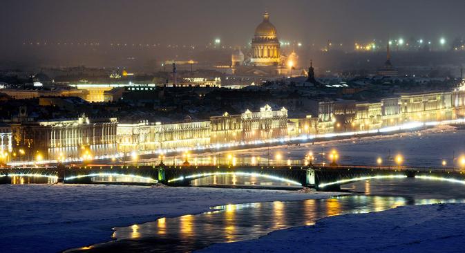 Vista de la catedral de San Isaac y el río Nevá. Fuente:  Slava Stepanov.