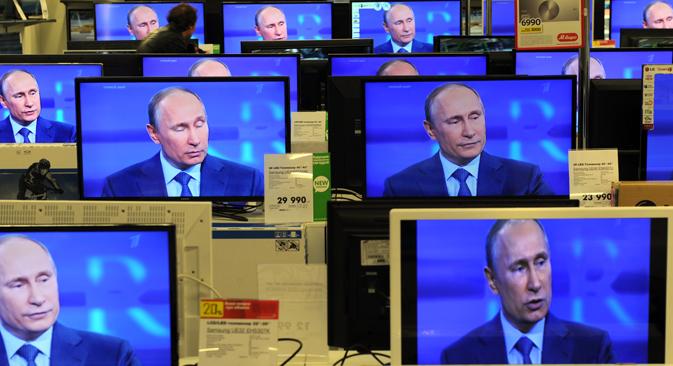 El un programa que duró casi seis horas, el presidente ruso habla sobre las relaciones con EE UU, la oposición y la situación económica. Fuente: AFP / East News