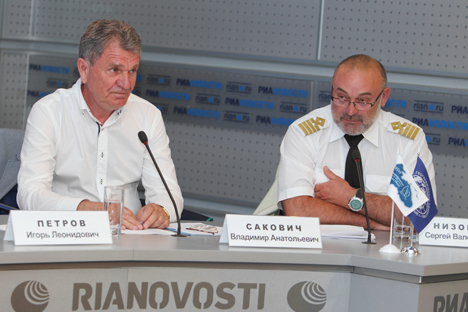 Vladímir Sakovitch (à esq.) e Serguêi Nizóvtsev (à dir.) Foto: RIA Nóvosti