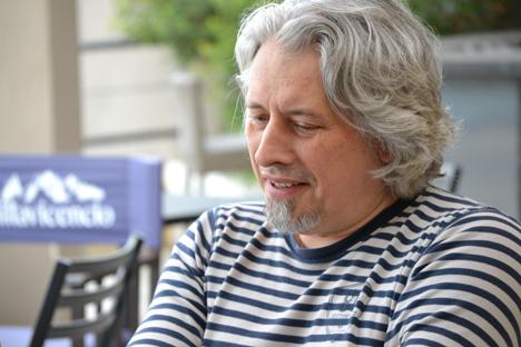 Entrevista con el autor ruso durante su visita a la Feria del Libro de Buenos Aires. Fuente: Antonella Goñi