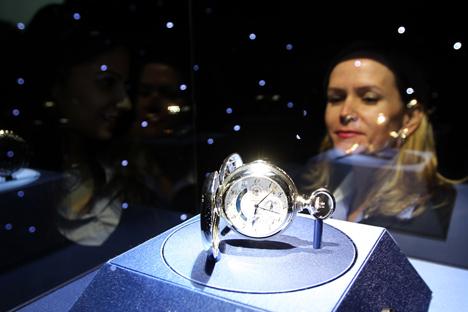 Russos são os segundos maiores compradores estrangeiros de bens de luxo na Europa, perdendo apenas para os chineses Foto: AFP / East News