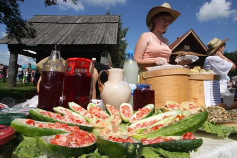 A pesar de celebrarse sólo en verano, las ferias de productos del campo cuentan cada vez con más popularidad. Fuente: Ria Novosti